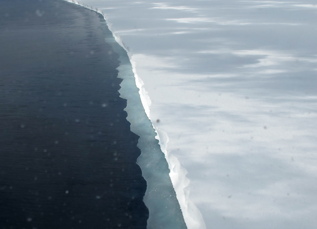 The edge of the Ross Ice Shelf (Credit: NASA/Operation IceBridge)